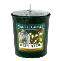 Yankee Candle Votivní svíčka The perfect tree 49g
